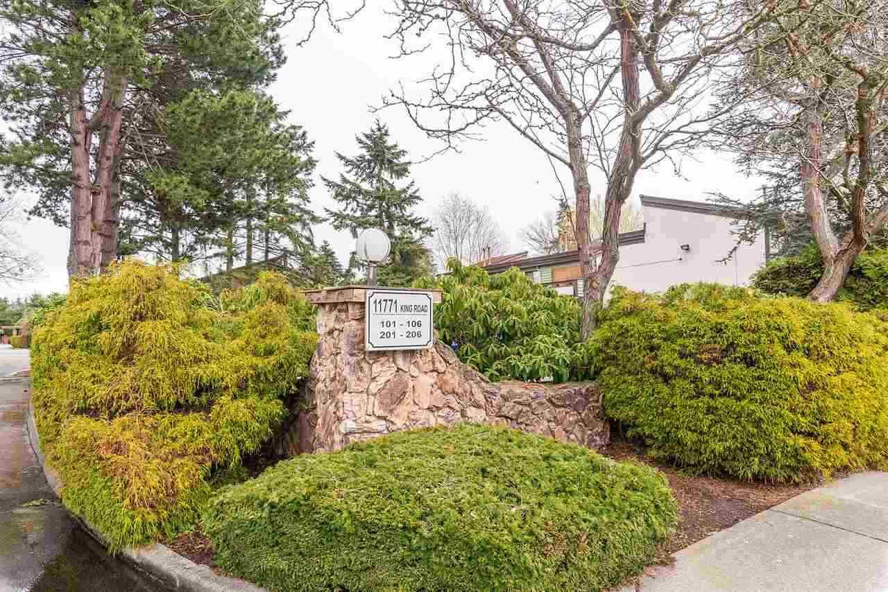 """Main Photo: 201 11771 KING Road in Richmond: Ironwood Townhouse for sale in """"KINGSWOOD"""" : MLS®# R2379288"""