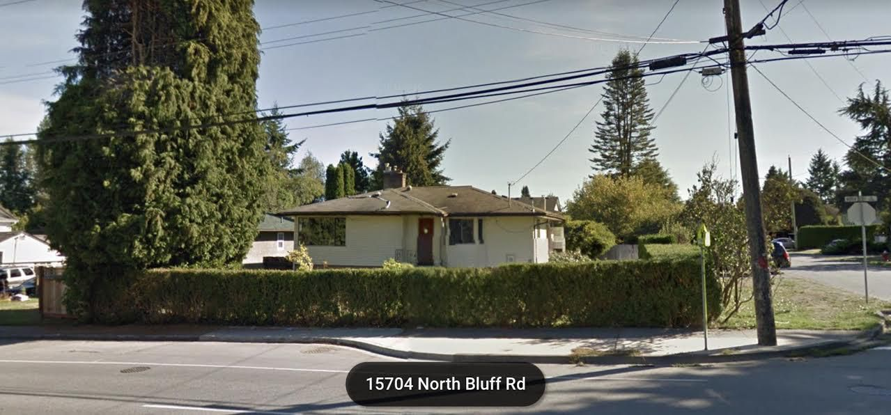 "Main Photo: 15704 NORTH BLUFF Road: White Rock House for sale in ""WHITE ROCK"" (South Surrey White Rock)  : MLS®# R2063338"