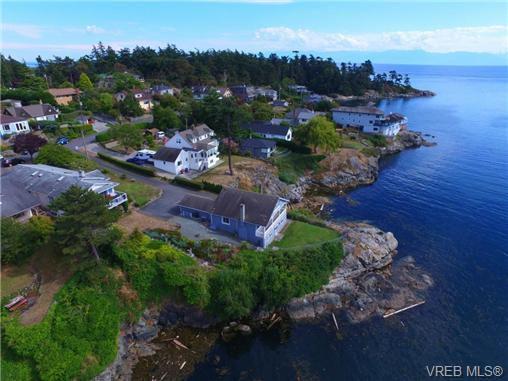 Main Photo: 440 Constance Avenue in VICTORIA: Es Saxe Point Single Family Detached for sale (Esquimalt)  : MLS®# 369442