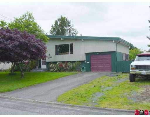 Main Photo: 10086 HYMAR DR in Chilliwack: Fairfield Island House for sale : MLS®# H2502034