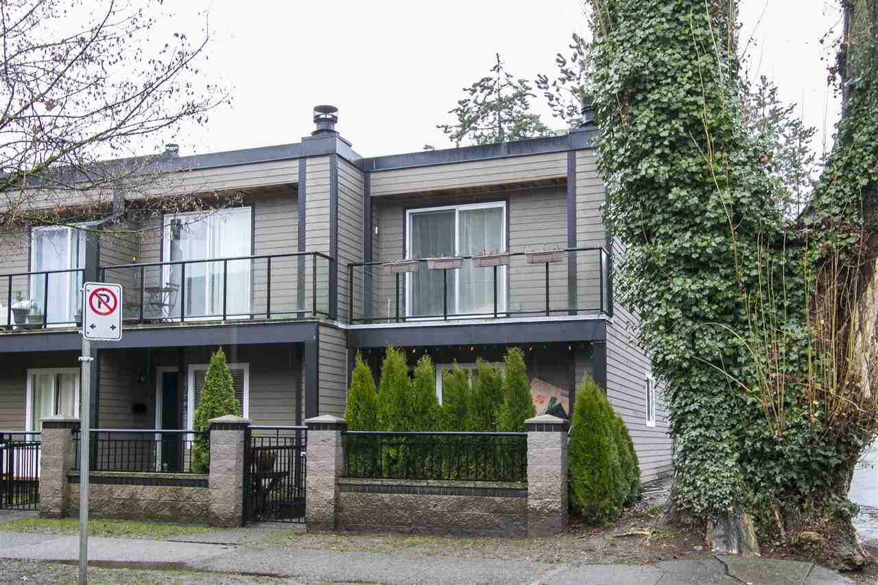 """Main Photo: 948 CARDERO Street in Vancouver: West End VW Townhouse for sale in """"THE BARCLAY"""" (Vancouver West)  : MLS®# R2144024"""