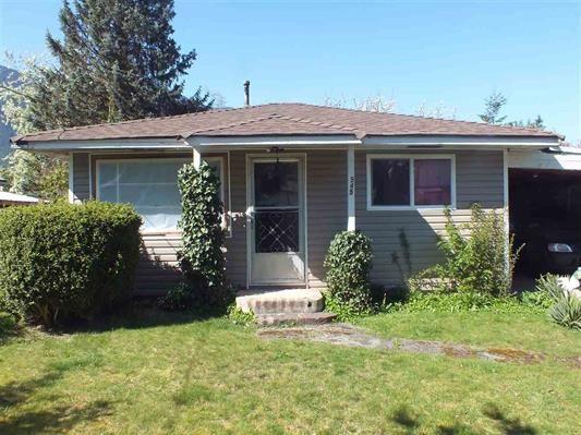 Main Photo: 545 DOUGLAS Street in Hope: Hope Center House for sale : MLS®# R2165815