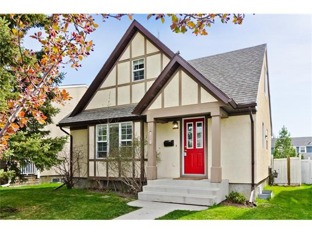 Main Photo: 36 Amiens Crescent SW in Calgary: C-018 House for sale : MLS®# C4110227