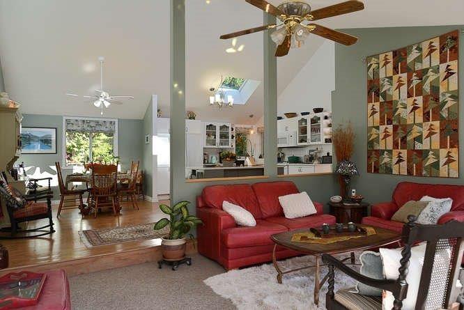 Photo 15: Photos: 1481 PARK Avenue: Roberts Creek House for sale (Sunshine Coast)  : MLS®# R2209232