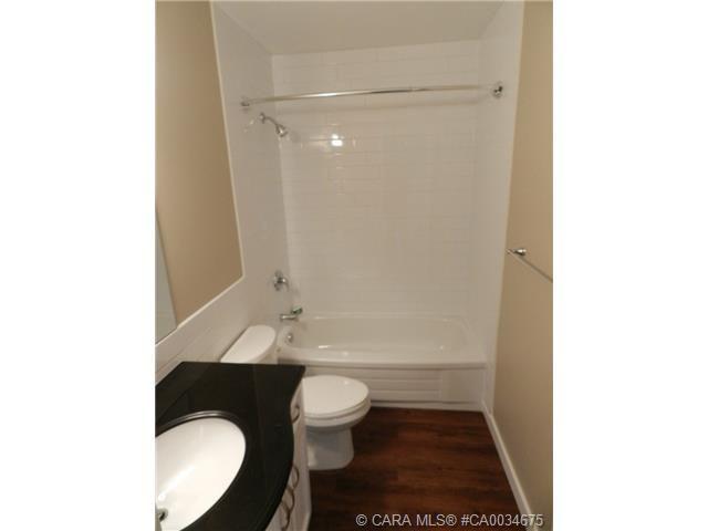 Main Photo: 55 Gordon Street in Red Deer: RR Glendale Park Estates Residential for sale : MLS®# CA0034675
