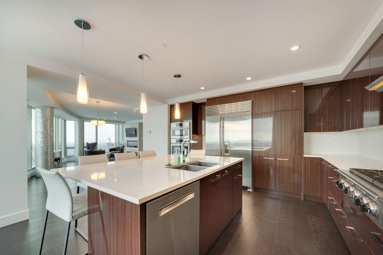 Photo 9: Photos: 2703 11969 JASPER Avenue in Edmonton: Zone 12 Condo for sale : MLS®# E4135423