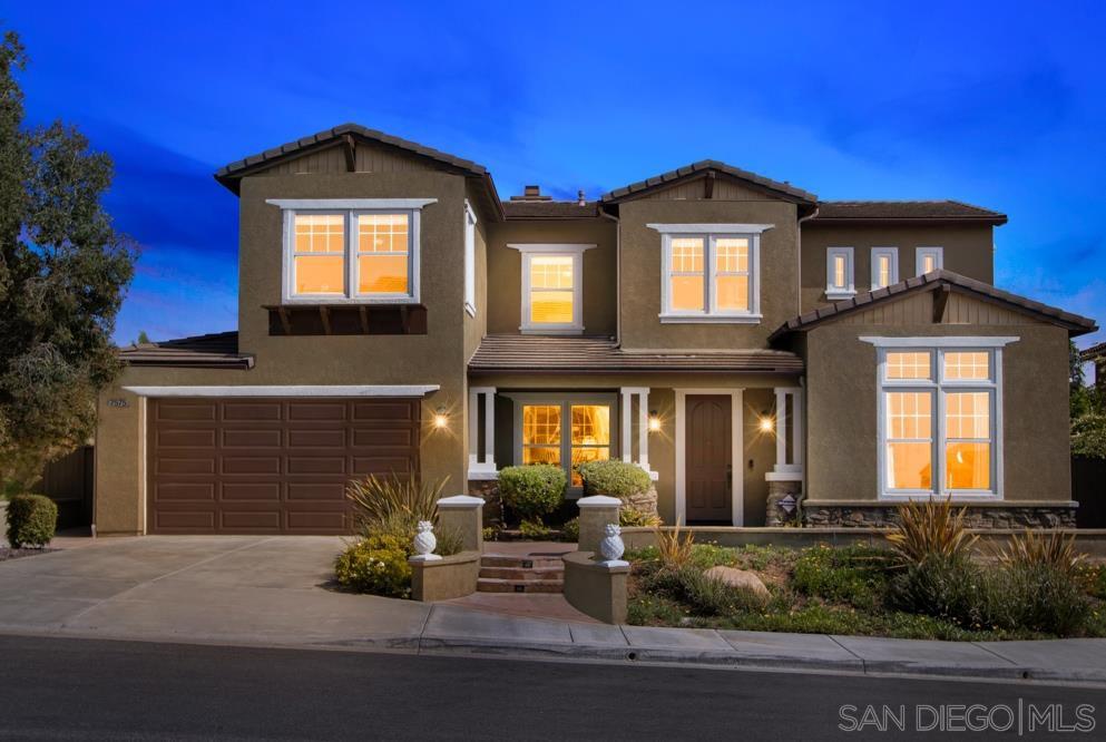Main Photo: LA MESA House for sale : 4 bedrooms : 7575 Chicago Dr