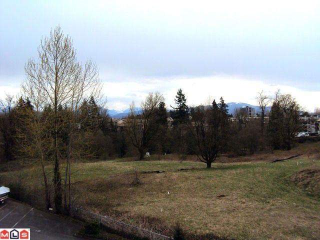 "Main Photo: 205 3170 GLADWIN Road in Abbotsford: Central Abbotsford Condo for sale in ""Regency Park Towers"" : MLS®# F1109618"