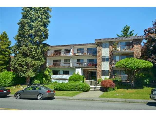 Main Photo: 203 160 E 19TH Street in North Vancouver: Central Lonsdale Condo for sale : MLS®# V898566