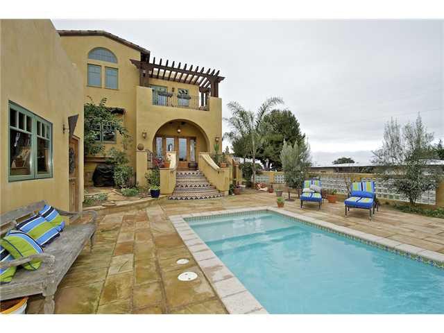 Main Photo: OCEAN BEACH House for sale : 4 bedrooms : 1707 Froude Street in San Diego