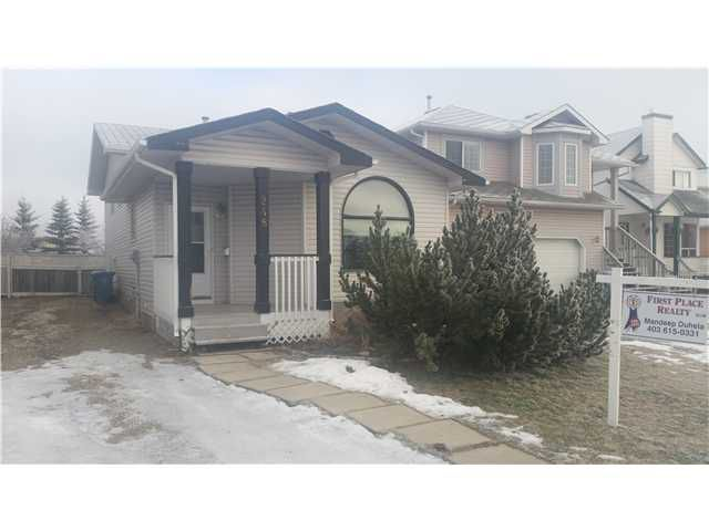 Main Photo: 248 FRESNO Place NE in Calgary: Monterey Park Residential Detached Single Family for sale : MLS®# C3649113