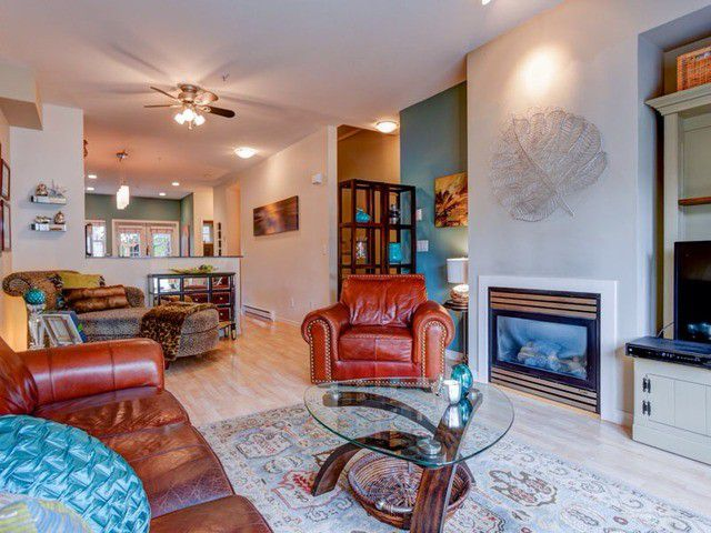 """Main Photo: 19 21535 88TH Avenue in Langley: Walnut Grove Townhouse for sale in """"Redwood Lane"""" : MLS®# F1435147"""
