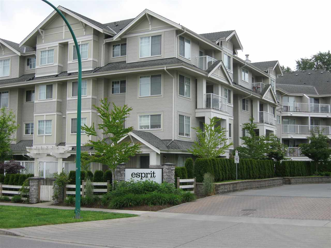 "Main Photo: 405 19340 65 Avenue in Surrey: Clayton Condo for sale in ""Espirit at Southlands"" (Cloverdale)  : MLS®# R2011065"