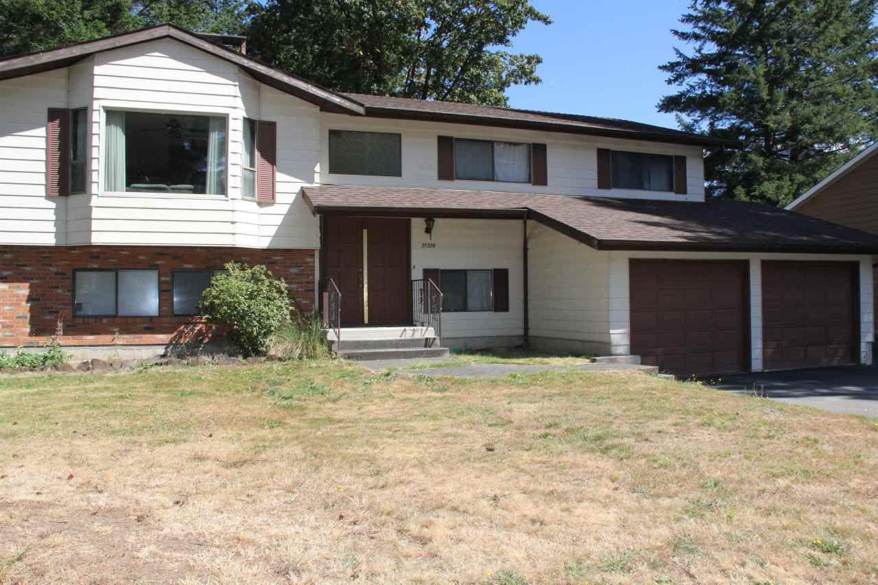 Main Photo: 21224 MOUNTVIEW Crescent in Hope: Hope Kawkawa Lake House for sale : MLS®# R2104907