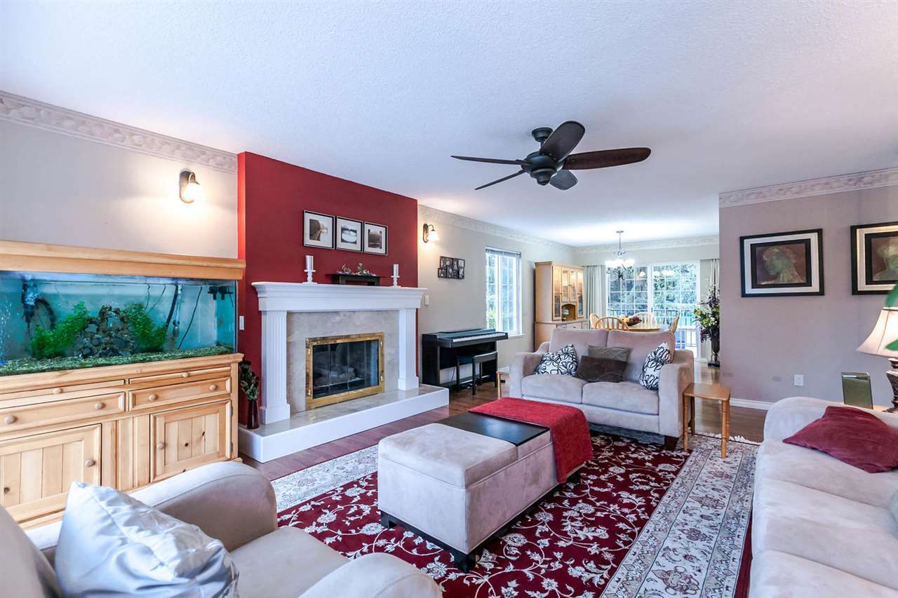 Photo 5: Photos: 21895 44 Avenue in Langley: Murrayville House for sale : MLS®# R2135391