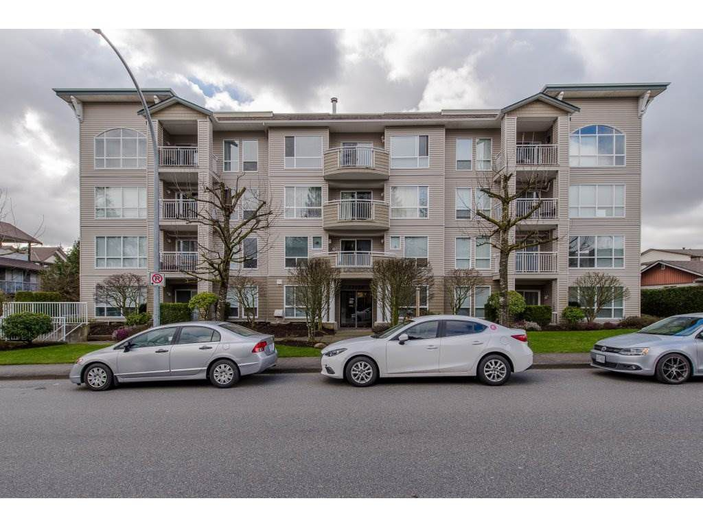 "Main Photo: 105 32120 MT WADDINGTON Avenue in Abbotsford: Abbotsford West Condo for sale in ""~The Laurelwood~"" : MLS®# R2151840"