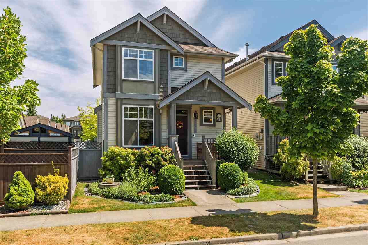 Main Photo: 6678 185A STREET in Surrey: Cloverdale BC House for sale (Cloverdale)  : MLS®# R2191501