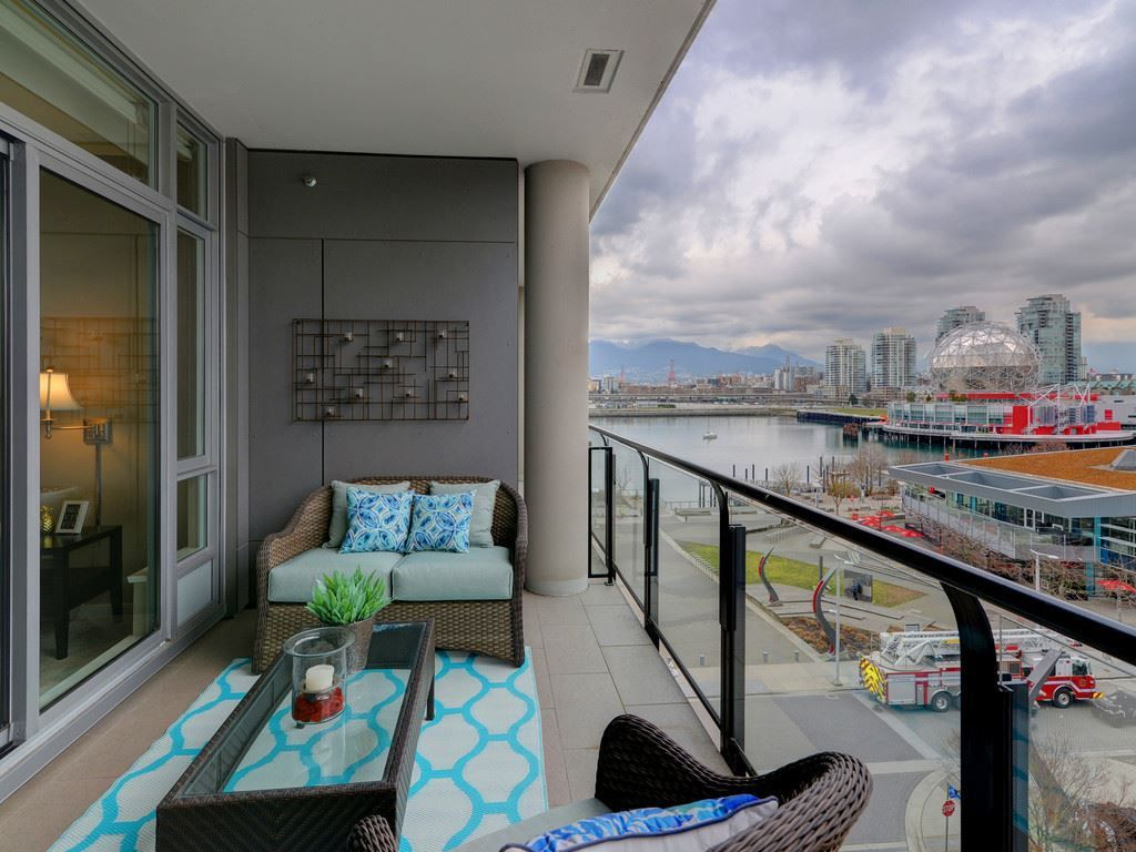 """Main Photo: 602 1625 MANITOBA Street in Vancouver: False Creek Condo for sale in """"Shoreline at the Village on False Creek"""" (Vancouver West)  : MLS®# R2244341"""