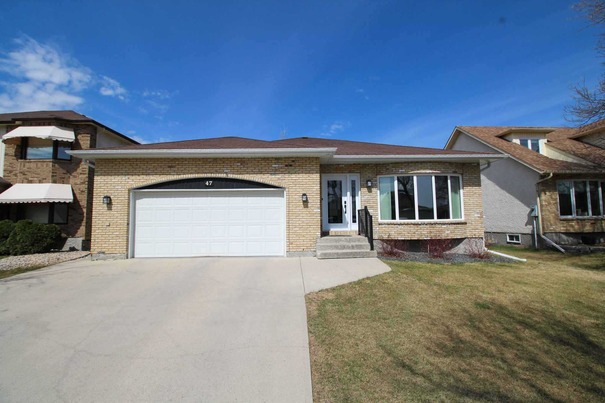 Main Photo: 47 Green Meadows For Sale In North Kildonan