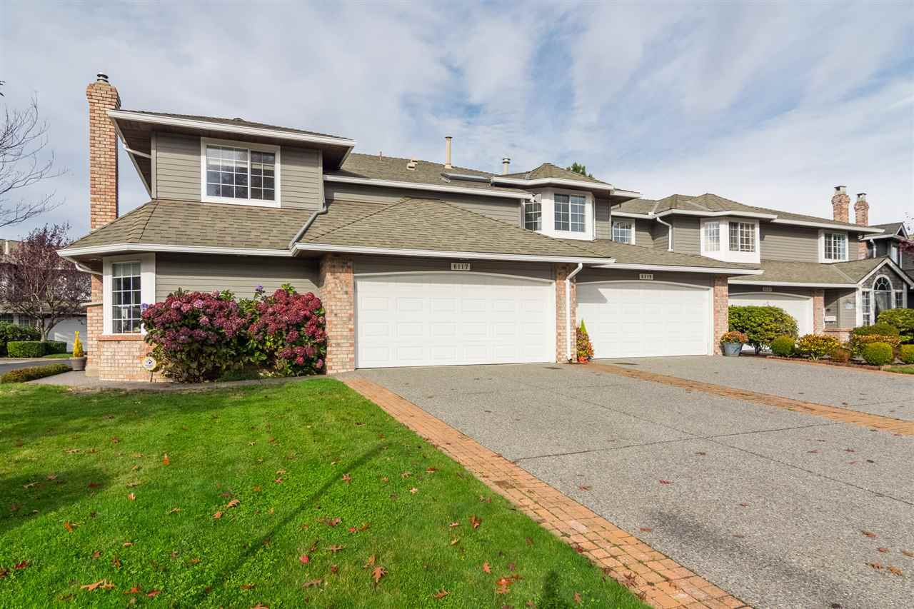 "Main Photo: 6117 W BOUNDARY Drive in Surrey: Panorama Ridge Townhouse for sale in ""LAKEWOOD GARDENS"" : MLS®# R2318441"