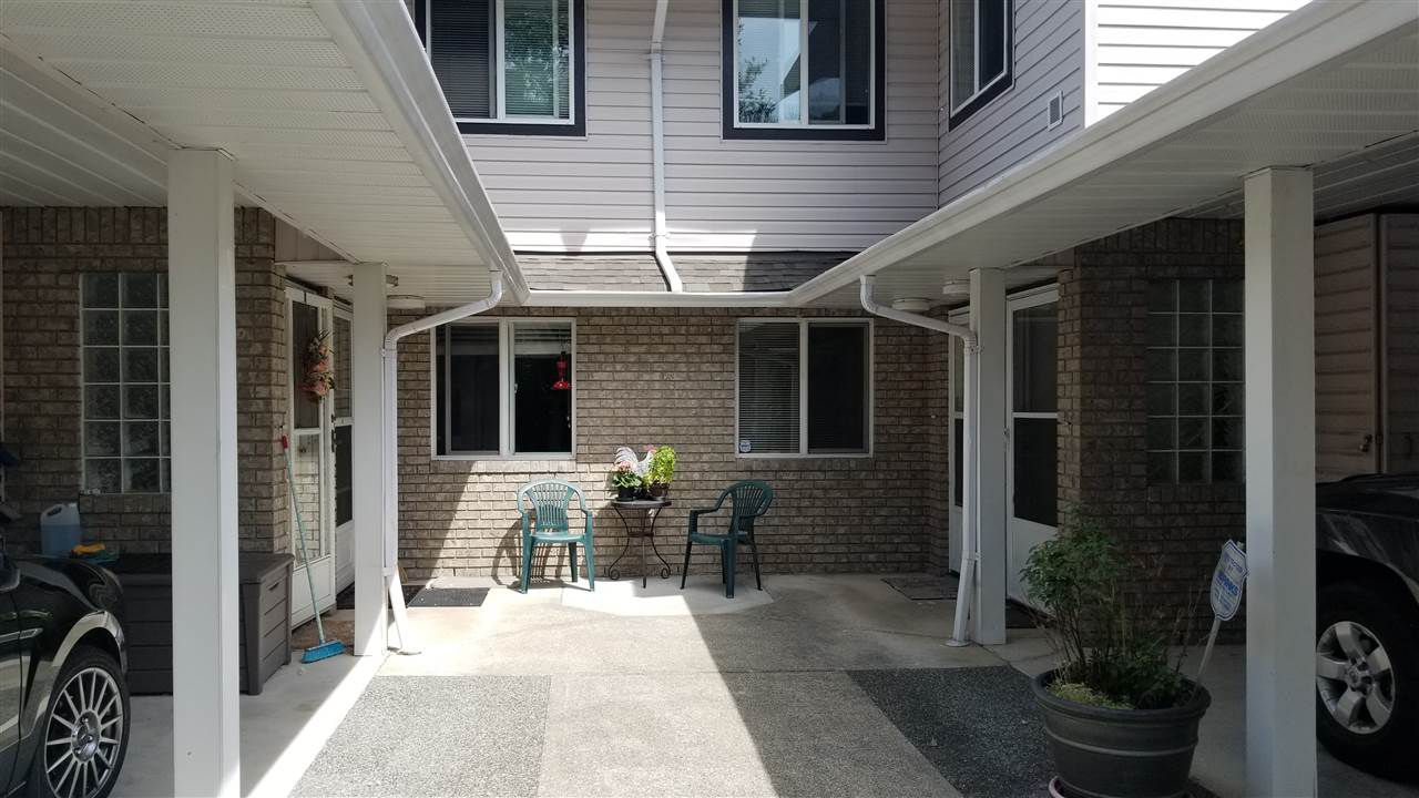 """Main Photo: 71 15020 66A Avenue in Surrey: East Newton Townhouse for sale in """"Sullivan Mews"""" : MLS®# R2375685"""