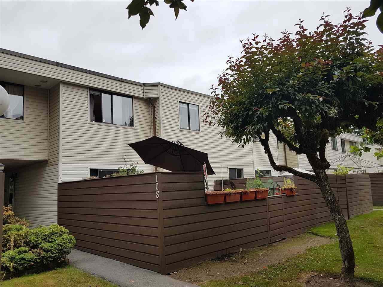 """Main Photo: 108 14153 104TH Avenue in Surrey: Whalley Townhouse for sale in """"HAWTHORNE PARK"""" (North Surrey)  : MLS®# R2385646"""