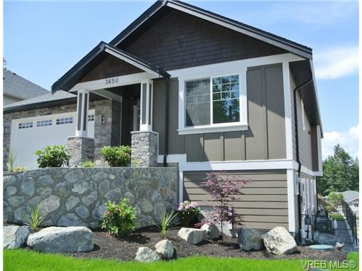 Main Photo: 3650 Coleman Place in VICTORIA: Co Latoria Single Family Detached for sale (Colwood)  : MLS®# 329302