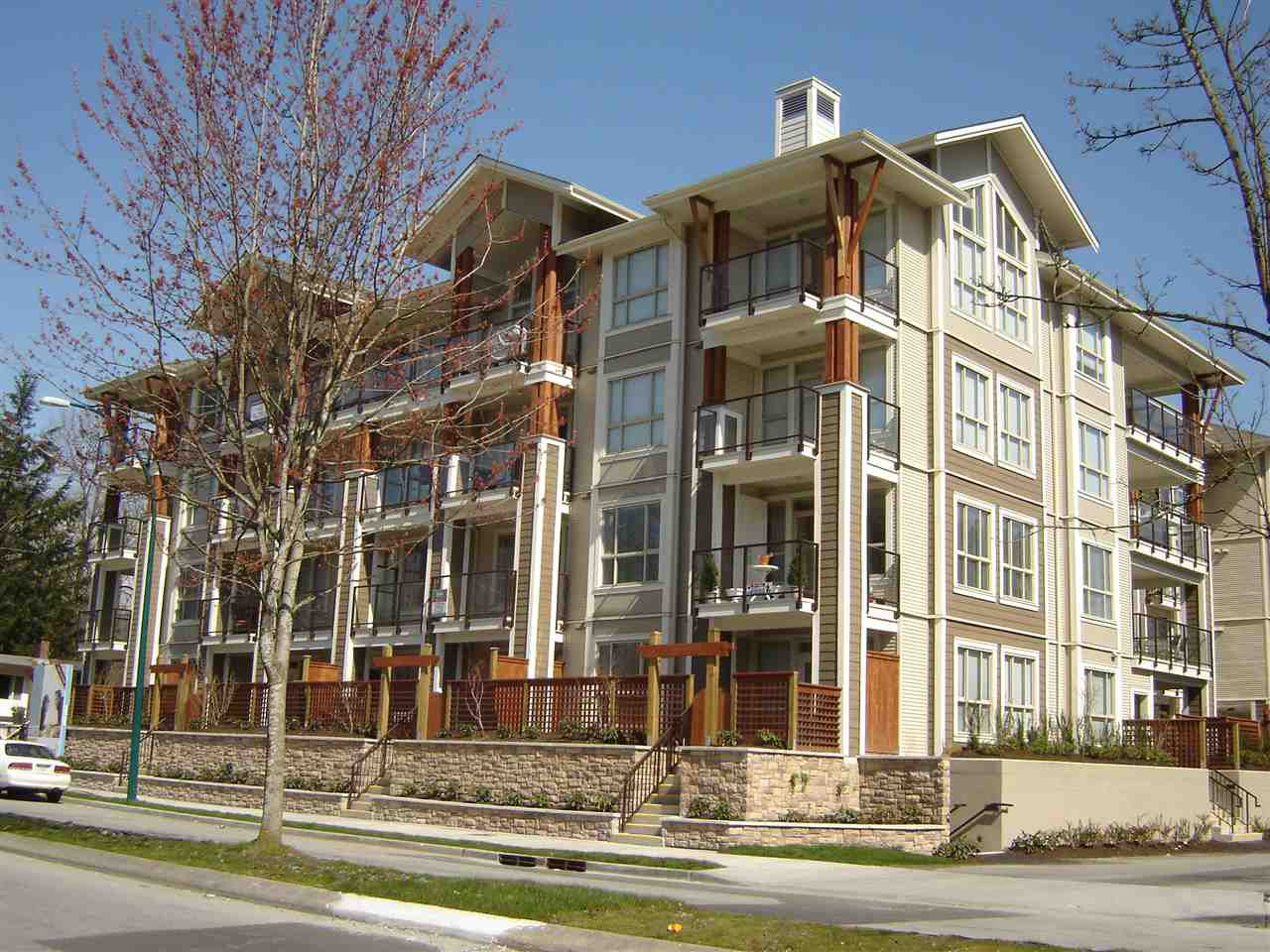 "Main Photo: 109 2484 WILSON Avenue in Port Coquitlam: Central Pt Coquitlam Condo for sale in ""VERDE"" : MLS®# R2028331"
