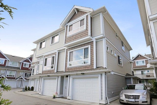 """Main Photo: 58 7298 199A Street in Langley: Willoughby Heights Townhouse for sale in """"YORK"""" : MLS®# R2059132"""