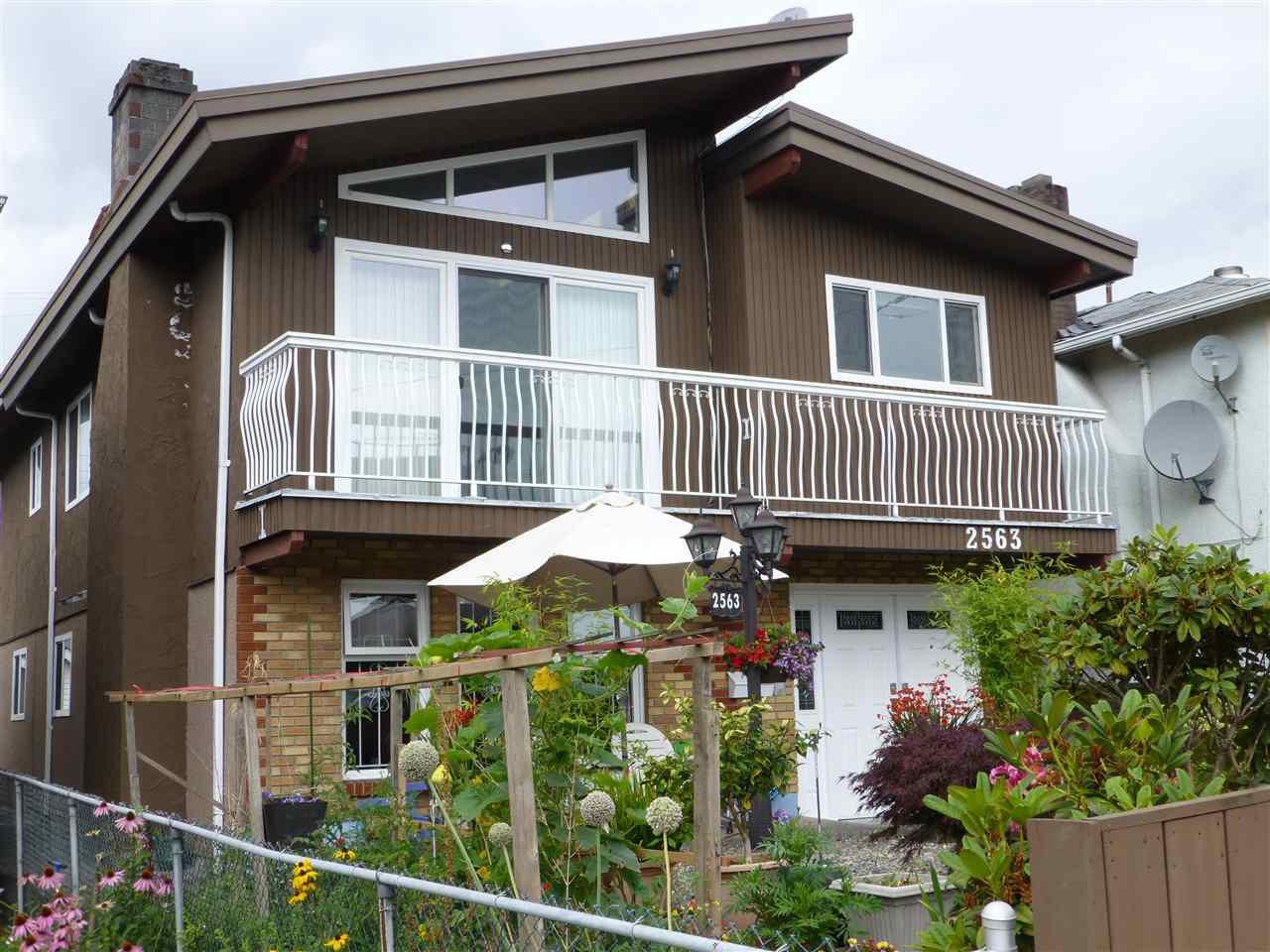 Main Photo: 2563 RENFREW Street in Vancouver: Renfrew VE House for sale (Vancouver East)  : MLS®# R2093903