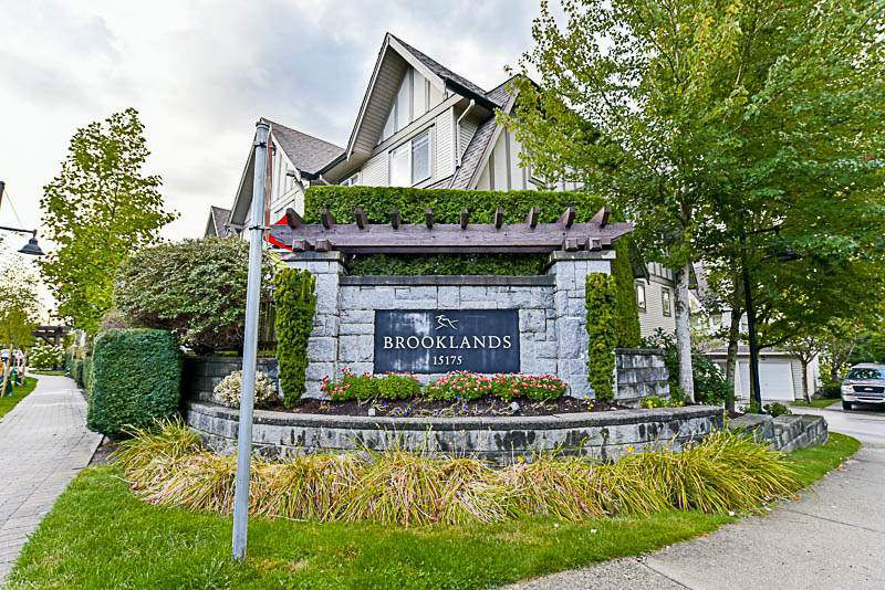 """Main Photo: 74 15175 62A Avenue in Surrey: Sullivan Station Townhouse for sale in """"Brooklands"""" : MLS®# R2207663"""