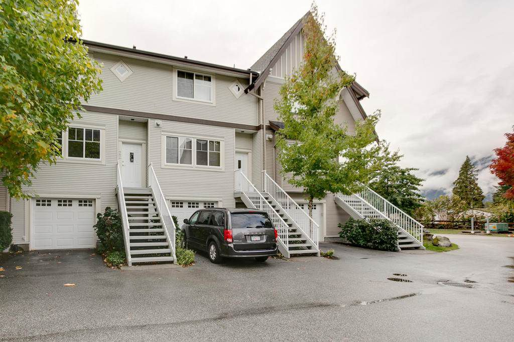 """Main Photo: 22 1800 MAMQUAM Road in Squamish: Garibaldi Estates Townhouse for sale in """"Virescence"""" : MLS®# R2214303"""
