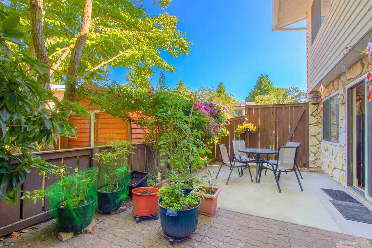 "Main Photo: 42 9386 122 Street in Surrey: Queen Mary Park Surrey Townhouse for sale in ""Bonnydoon Village"" : MLS®# R2289904"