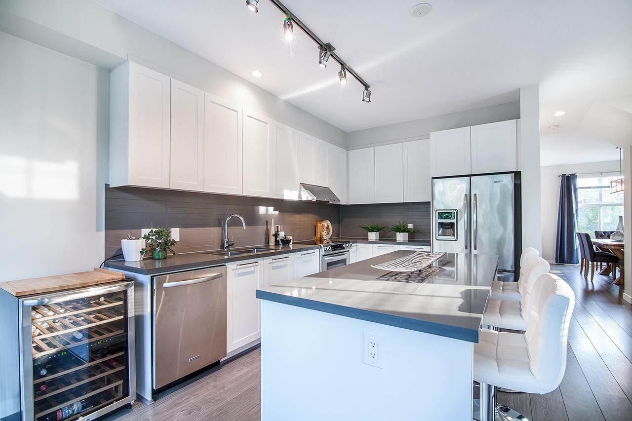 """Photo 4: Photos: 37 3461 PRINCETON Avenue in Coquitlam: Burke Mountain Townhouse for sale in """"BRIDLEWOOD"""" : MLS®# R2302518"""