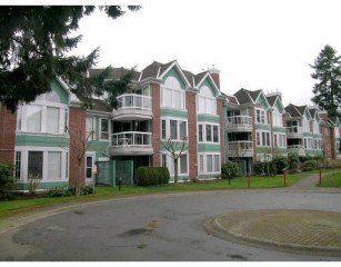Main Photo: 101 1675 AUGUSTA AV in Burnaby: Home for sale : MLS®# V580068