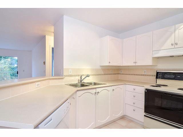 """Photo 6: Photos: 214 10743 139 Street in Surrey: Whalley Condo for sale in """"Vista Ridge"""" (North Surrey)  : MLS®# F1427979"""