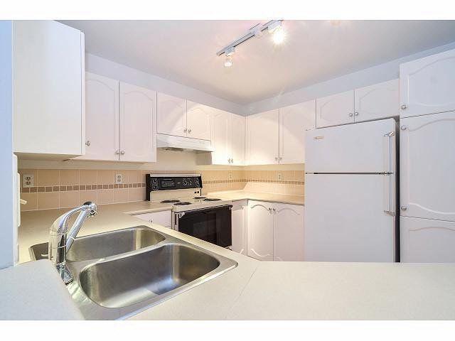 """Photo 5: Photos: 214 10743 139 Street in Surrey: Whalley Condo for sale in """"Vista Ridge"""" (North Surrey)  : MLS®# F1427979"""