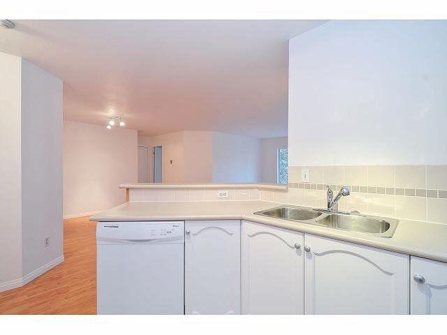 """Photo 7: Photos: 214 10743 139 Street in Surrey: Whalley Condo for sale in """"Vista Ridge"""" (North Surrey)  : MLS®# F1427979"""
