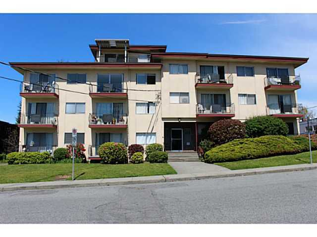 "Main Photo: 210 611 BLACKFORD Street in New Westminster: Uptown NW Condo for sale in ""MAYMONT MANOR"" : MLS®# V1122490"