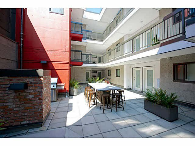 "Main Photo: 405 370 CARRALL Street in Vancouver: Downtown VE Condo for sale in ""21 DOORS"" (Vancouver East)  : MLS®# V1141894"