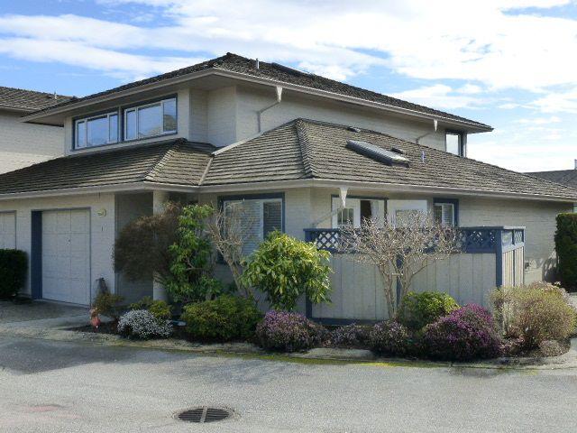 "Main Photo: 1 5768 MARINE Way in Sechelt: Sechelt District Townhouse for sale in ""Cypress Ridge"" (Sunshine Coast)  : MLS®# R2025598"