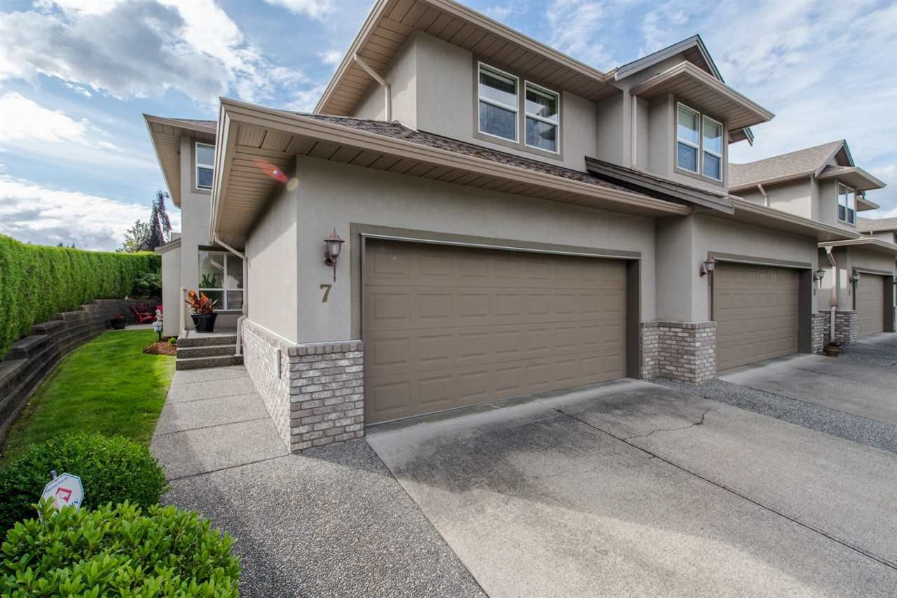 "Main Photo: 7 2525 YALE Court in Abbotsford: Abbotsford East Townhouse for sale in ""Yale Court"" : MLS®# R2082981"