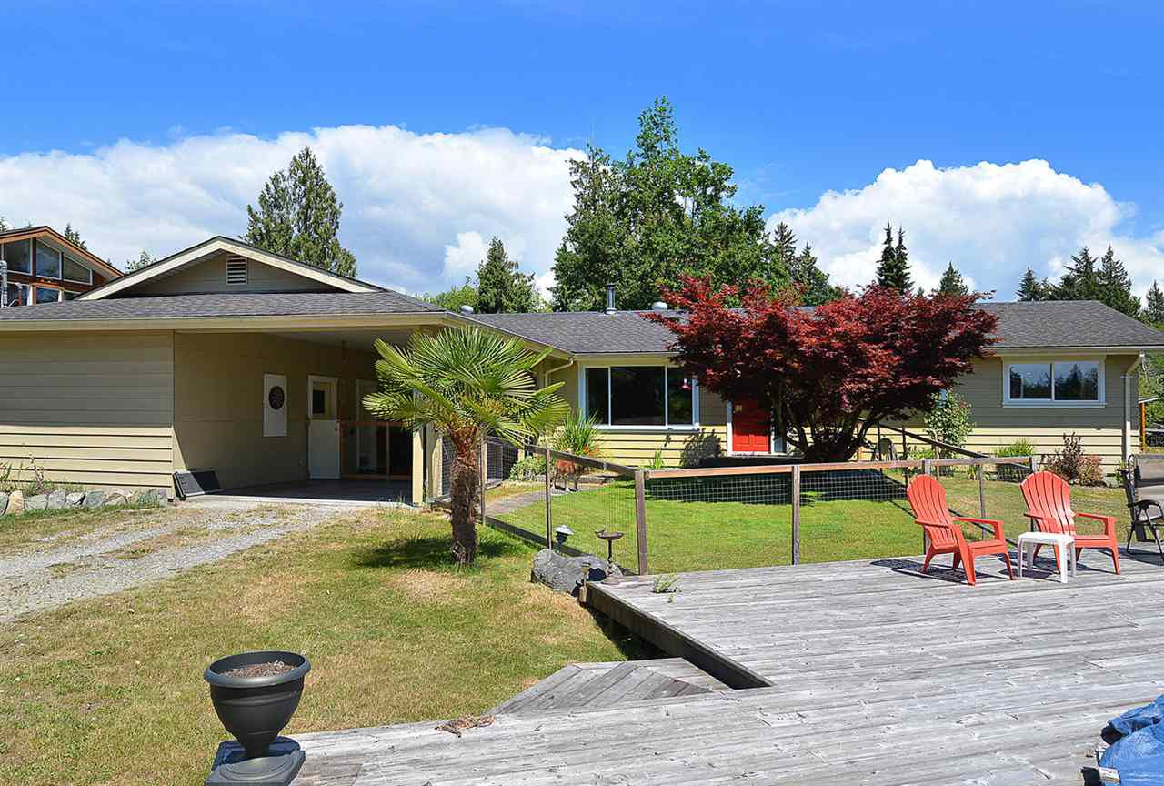 Photo 2: Photos: 5688 MASON Road in Sechelt: Sechelt District House for sale (Sunshine Coast)  : MLS®# R2085291