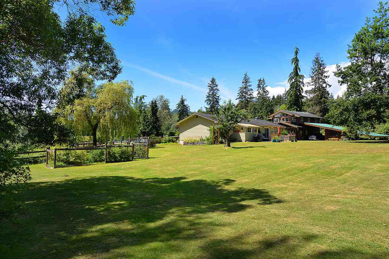 Photo 14: Photos: 5688 MASON Road in Sechelt: Sechelt District House for sale (Sunshine Coast)  : MLS®# R2085291