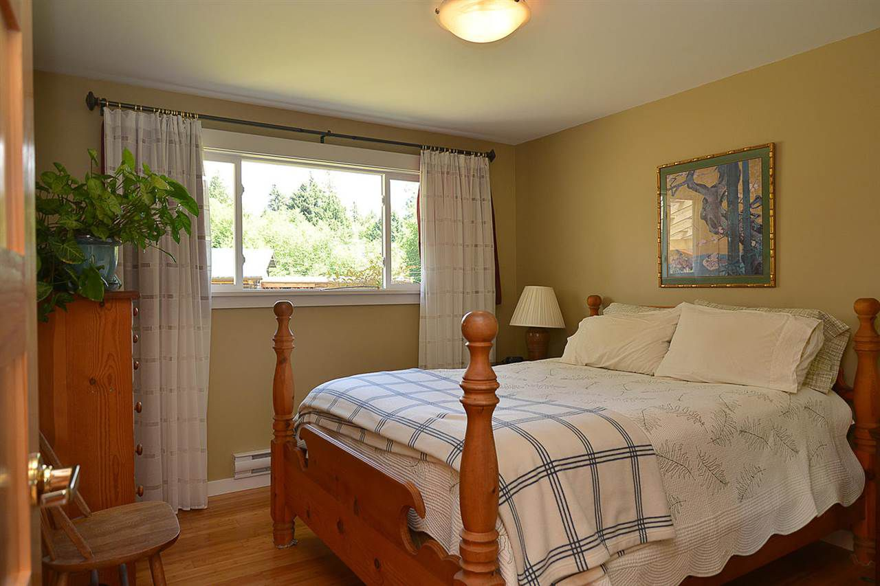 Photo 11: Photos: 5688 MASON Road in Sechelt: Sechelt District House for sale (Sunshine Coast)  : MLS®# R2085291