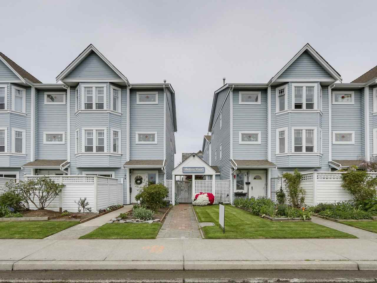 "Main Photo: 7 4965 47 Avenue in Delta: Ladner Elementary Townhouse for sale in ""PARKVIEW COURT"" (Ladner)  : MLS®# R2163588"