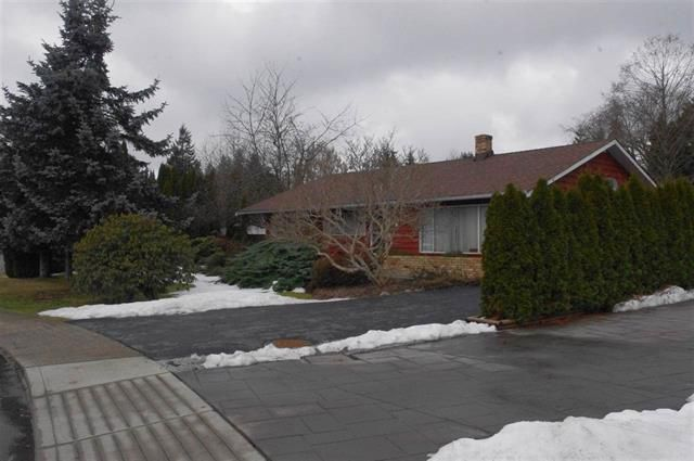 Main Photo: 679 Cypress Street in Coquitlam: Central Coquitlam House for sale : MLS®# R2145238