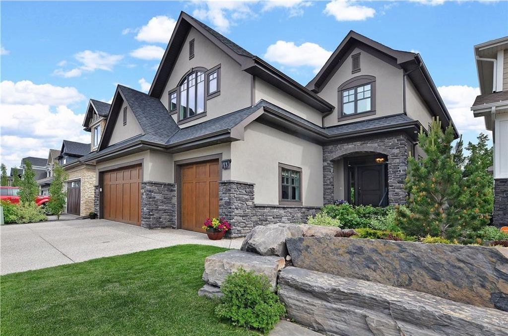 Main Photo: 13 WEST GROVE Point(e) SW in Calgary: West Springs House for sale : MLS®# C4123128