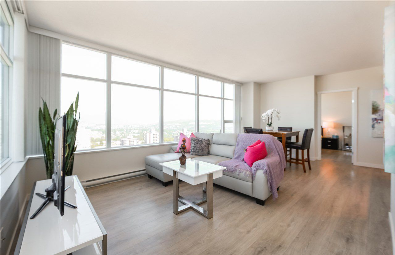 """Main Photo: 2502 4880 BENNETT Street in Burnaby: Metrotown Condo for sale in """"Chancellor"""" (Burnaby South)  : MLS®# R2183102"""