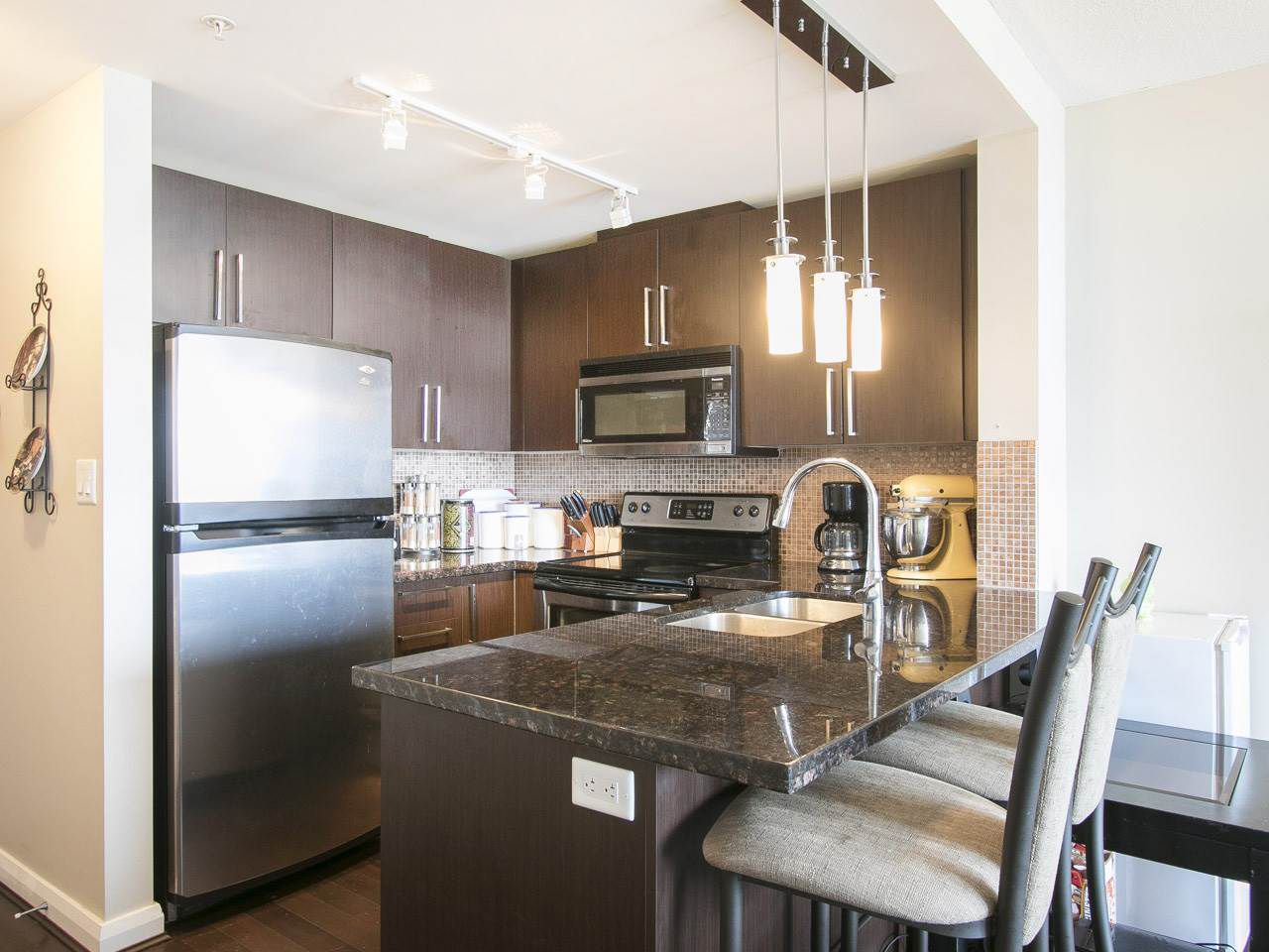 """Photo 3: Photos: 3003 888 CARNARVON Street in New Westminster: Downtown NW Condo for sale in """"Marinus at Plaza 88"""" : MLS®# R2199614"""
